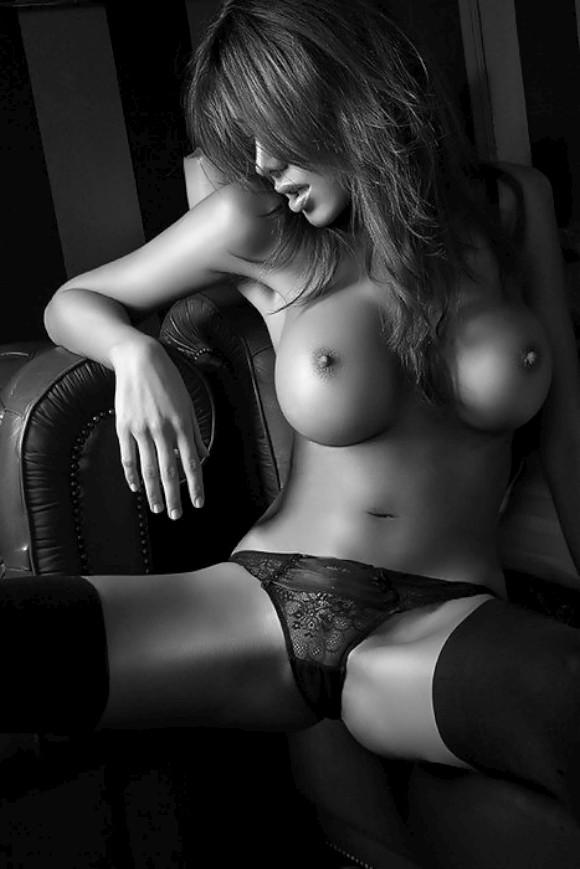 Красивые фото голых баб черно белая